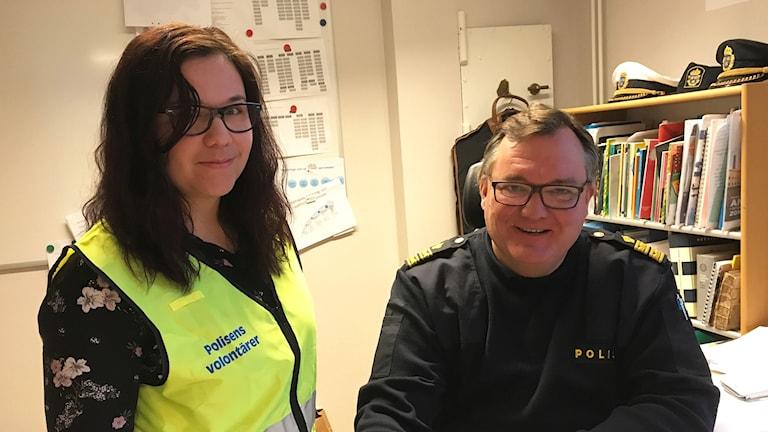 Madeleine Delgado och polis Björn Folkesson.
