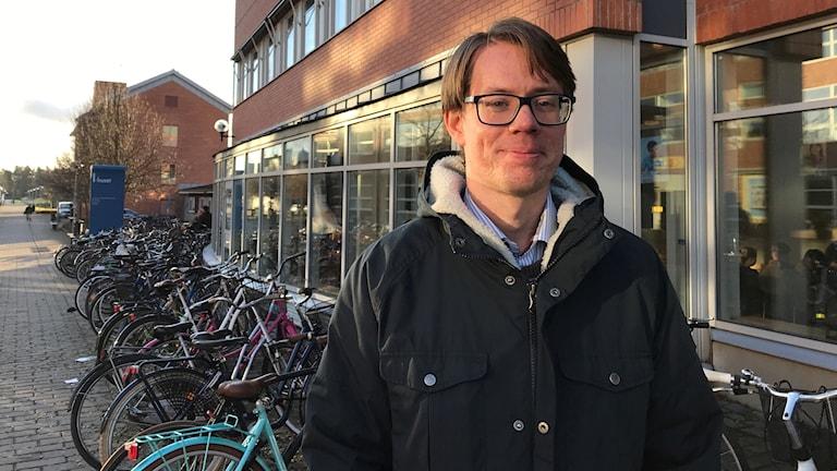 Viktor Perselli ska bli lärare i tyska, slöjd och svenska som andra språk.
