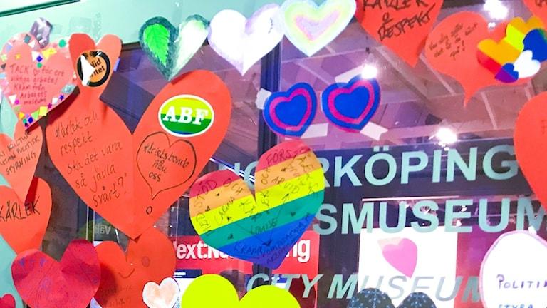 Kärleksbombning av Norrköpings stadsmuseum.