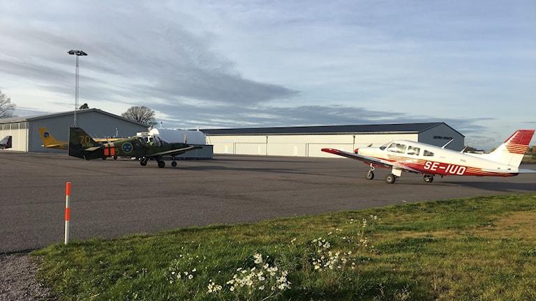 Övningsflygplanen står redo att lyfta