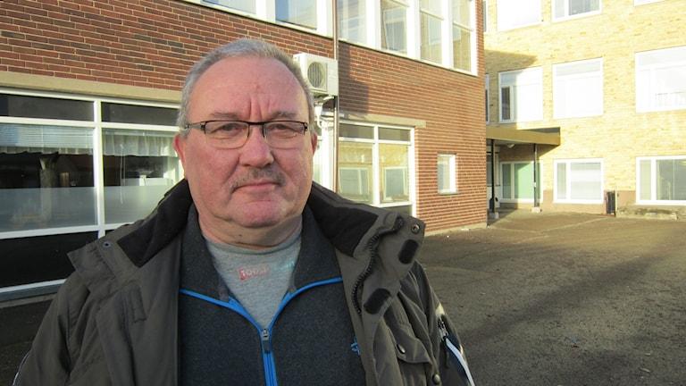 Leon Linnet på Skolgårda skolas skolgård i Motala.
