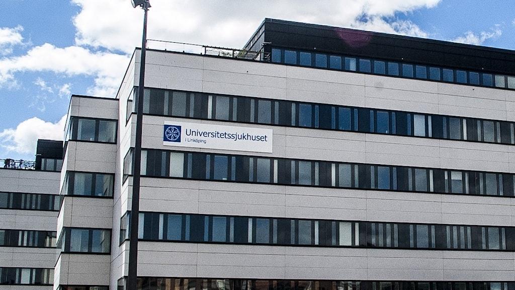 Bilden visar byggnaden där Universitetssjukhuset i Linköping ligger.