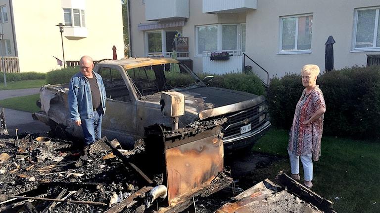 Hans Bengtsson och Marita Öberg såg sin bil brinna på Såpkullen.