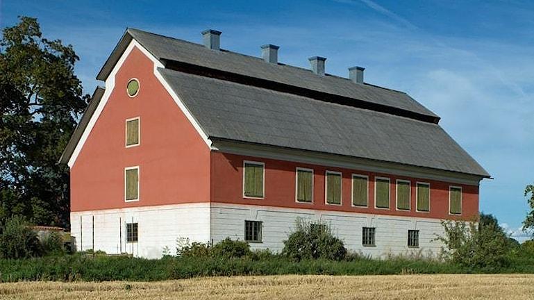 Stora stenhuset på Tuna kungsgård, byggt som Corps de logi troligen 1644.