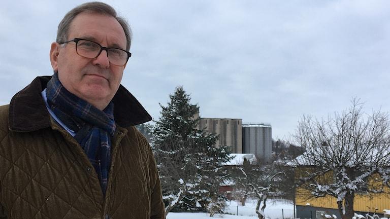 Rimforsabon Christer Segerstéen, politiker i Kinda. Silona i Rimforsa planeras inte bli bostäder.