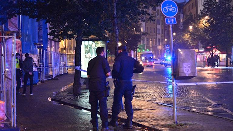 Avspärrning i centrala Norrköping efter bråk.