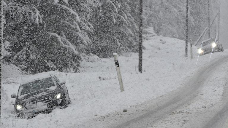 Snökaos på vägarna i södra Östergötland