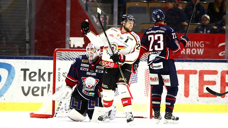 uleås Johan Harju jublar efter att ha gjort 2-3 i förlängningen under tisdagens ishockeymatch i SHL mellan Linköping HC och Luleå Hockey i Saab Arena.