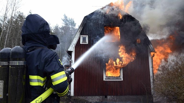 Villa brann ned till grunden i Björkfors.
