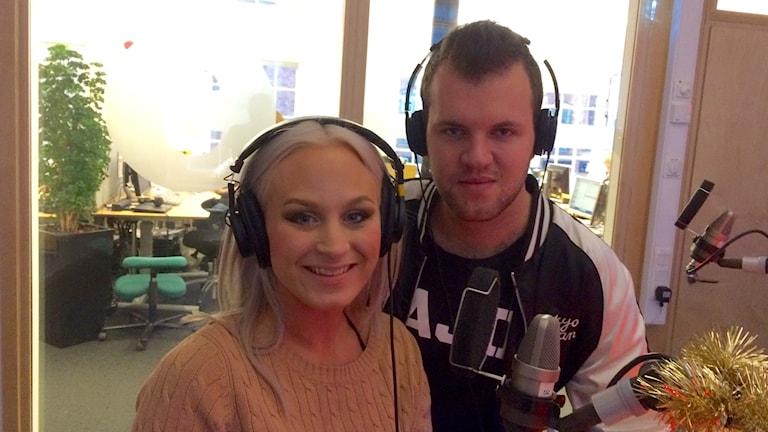 Marcus Fyrberg tillsammans med musikerkollegan Eleonor Leone