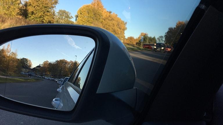 Kö, bilar, höst, olycka, bilolycka, trafik, förseningar, backspegel