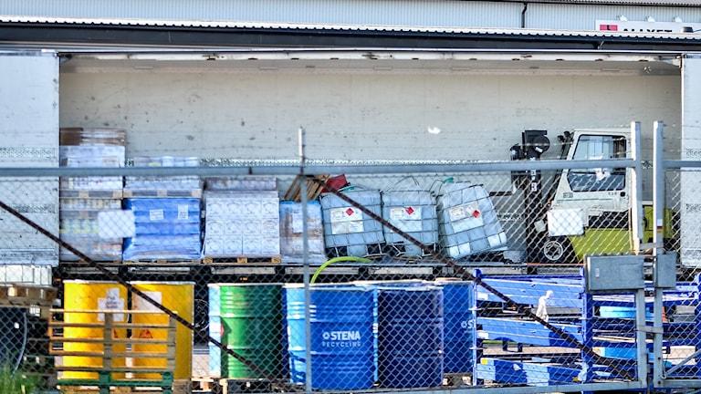 Läckande metanoltankar i lastbil. Foto: