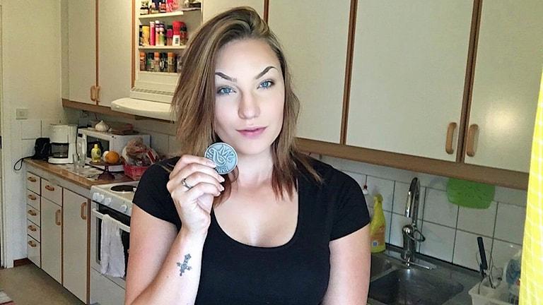 Anna Karlsson, Motala AIF, med SM-silvermedaljen i diskus.
