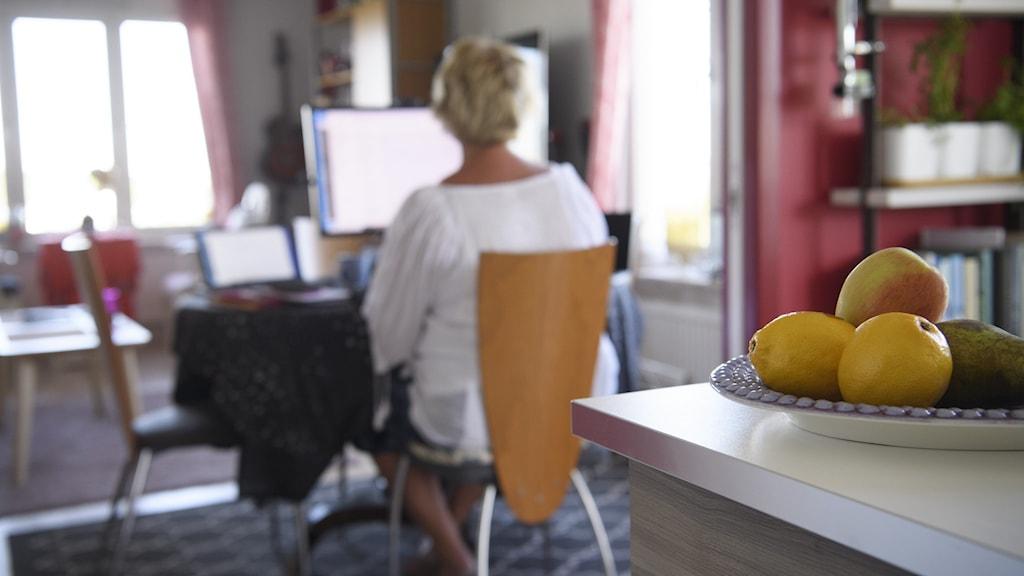 Flera kommuner i Östergötland är positiva till distansarbete och funderar på att även efter pandemin erbjuda möjligheten att jobba hemifrån till viss del.