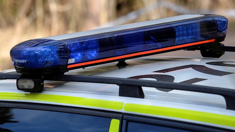 Närbild på taket av en polisbil.