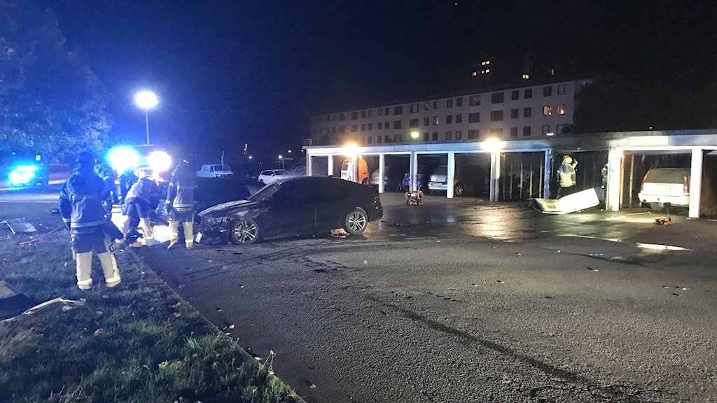 Brand i garagelänga i Ektorp i Norrköping