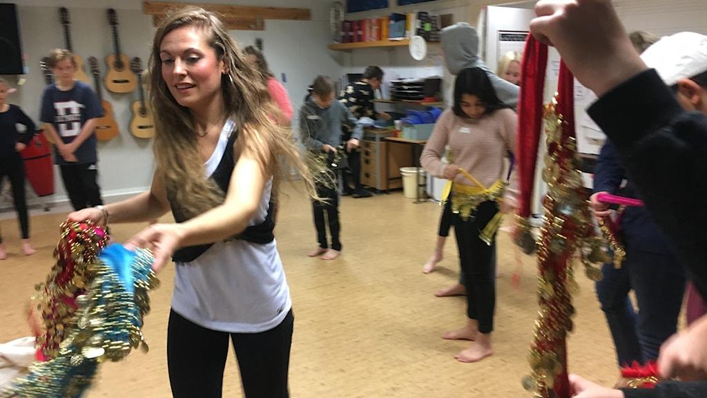 Orientalisk dans på Råssnässkolan