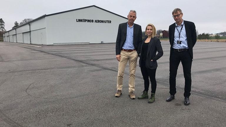 Johan Kristiansson, vd för Sankt Kors, Pia Lindström, ansvarig för etablering på IMA och Tomas Ireman från Saab Group.