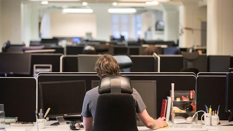 Att dagligen arbeta i en miljö med för höga radonvärden kan leda till lungcancer på sikt.