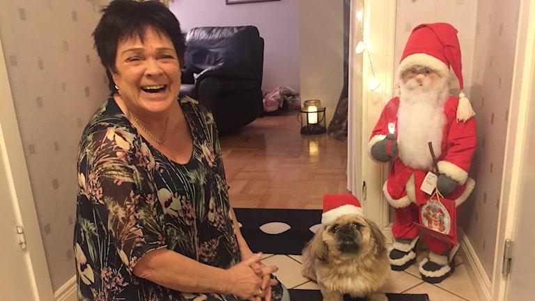 Helene Claesson med hunden Sigge.