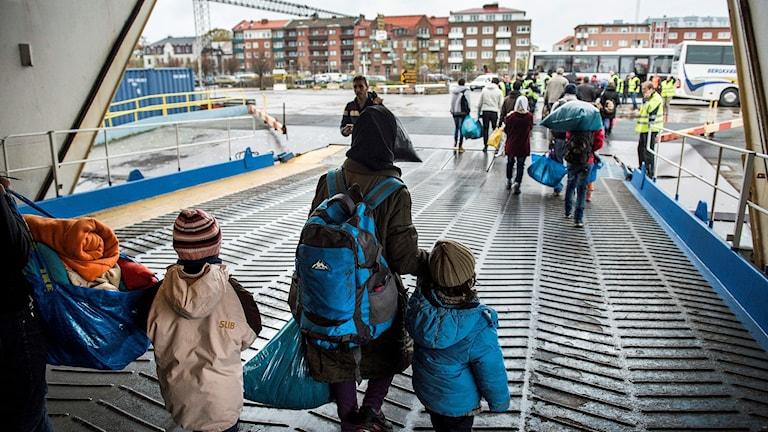 Flyktingar som mot med färja till Trelleborg. Arkivbild: Marcus Ericsson/TT