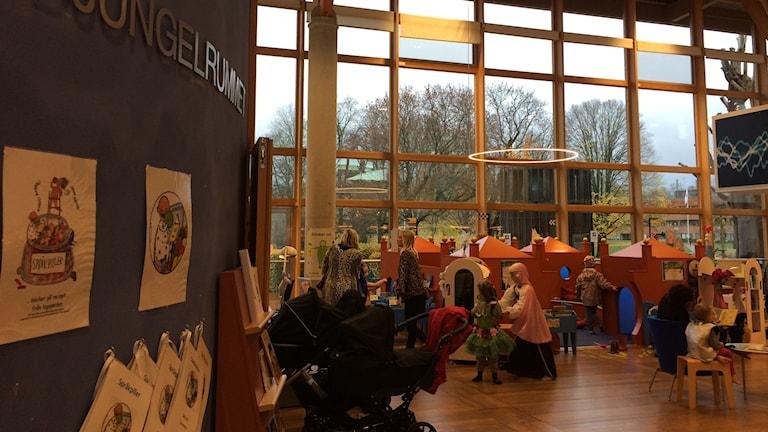 Höstlov på stadsbiblioteket i Linköping.