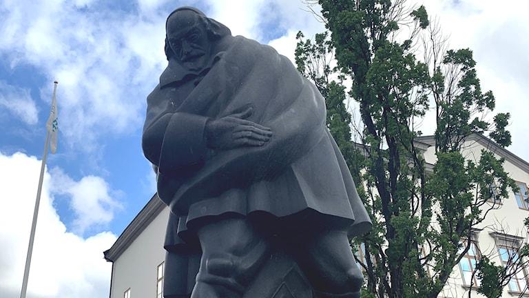 Statyn av Louis De Geer i Norrköping.