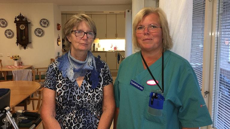 Diabetssköterska Lena Lind och sjuksköterska Susanne Wik i Ödeshög.