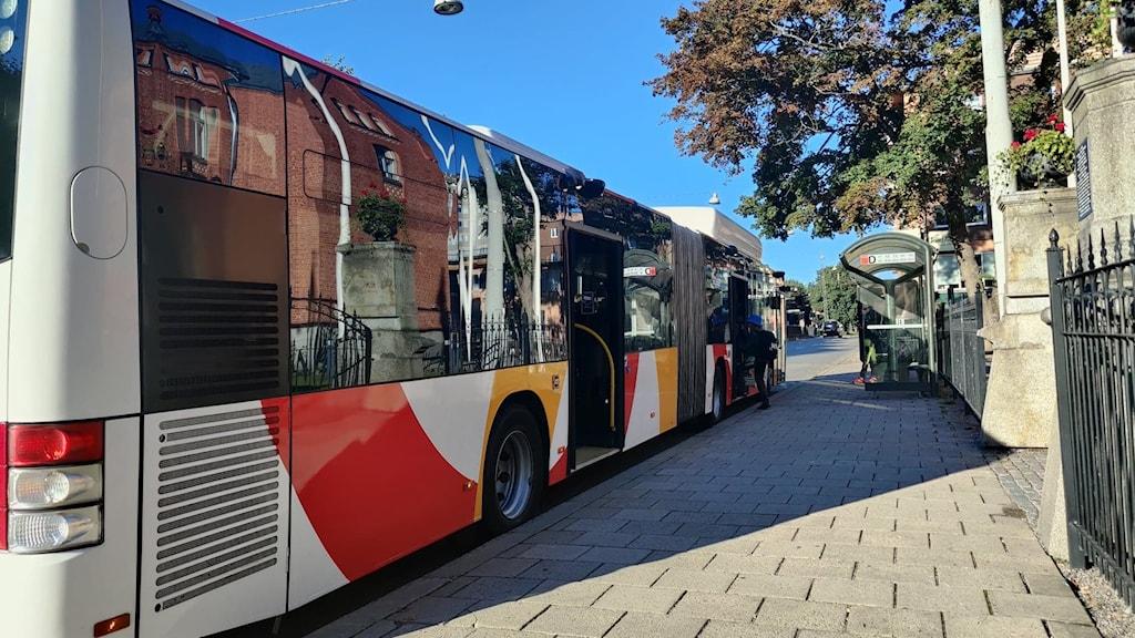 Barn går på buss