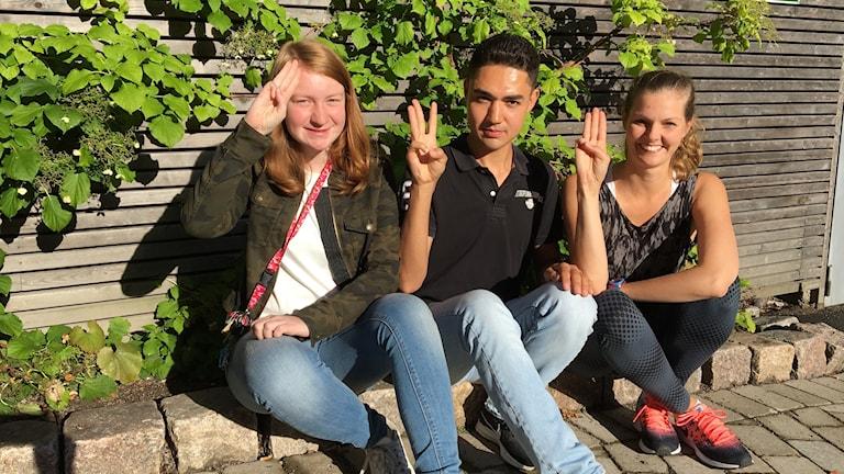 Scouterna Nora Elgh, Roshan Rezai och Sara Ljungdahl, ledare i scouterna.