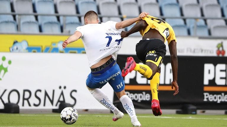 Serieledande IFK Norrköping lyckades tack vare ett nickmål på tilläggstid rädda en (1) poäng hemma mot Boråslaget Elfsborg.