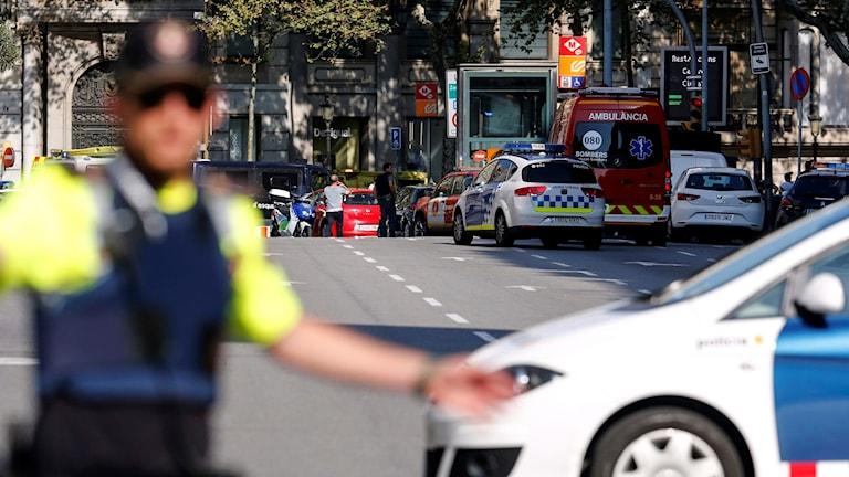 Polisbilar vid Attentatsplatsen i Centrala Barcelona