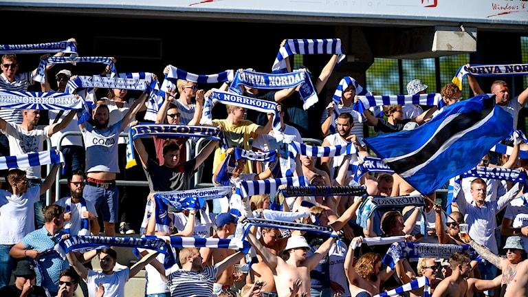 IFK Norrköpings supportrar på bortamatch i Kalmar. Foto: Patric Söderström/TT
