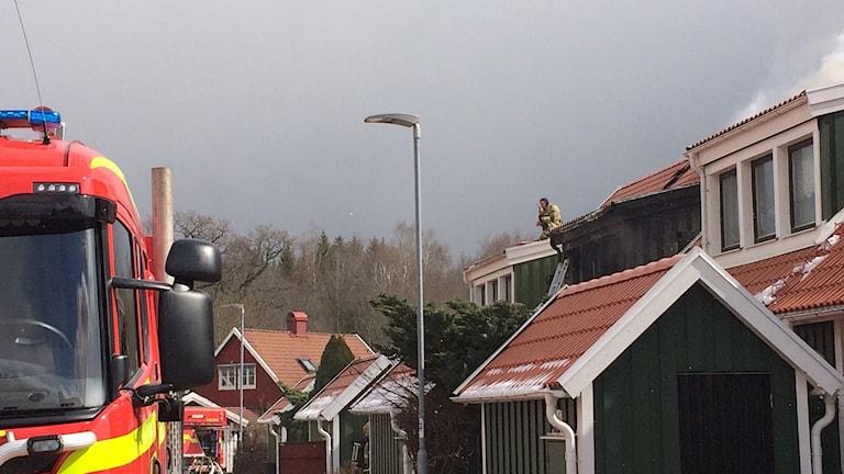 Brand i radhuslänga i Tokarp.