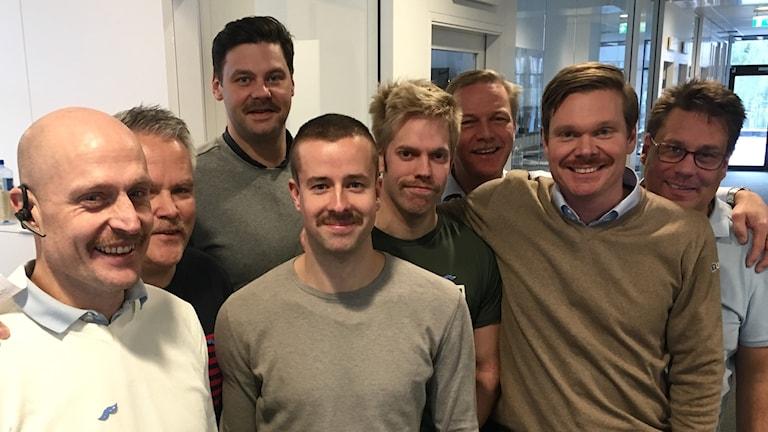 Killarna på företaget har sedan 1 november sparat ut mustasch för att uppmärksamma prostatacancer och mustaschkampen.