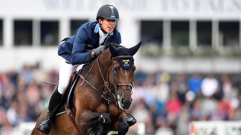 Henrik von Eckermann på Yajamila under fredagens nationshoppning under Falsterbo Horse Show.