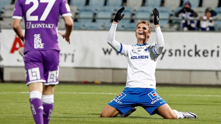 orrköpings Sebastian Andersson reagerar efter en missad målchans under sista omgången i allsvenskan.