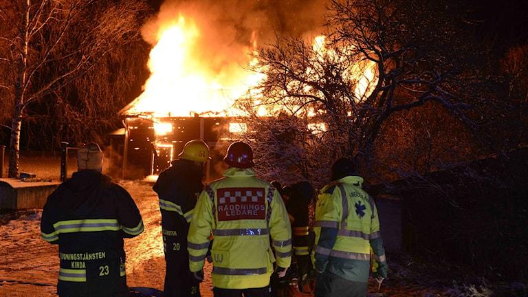 Brand på gård utanför Kisa.
