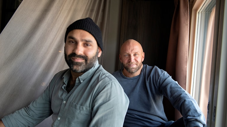 """Regissören Peter Grönlund och skådespelaren Joakim Sällquist, som har gjort filmen """"Goliat"""" om en småkriminell familj utanför Västerås."""