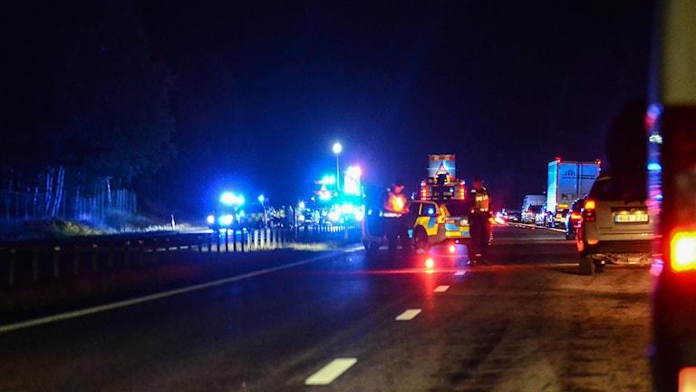 Fem personer till sjukhus efter olycka på E4an vid Linghem.