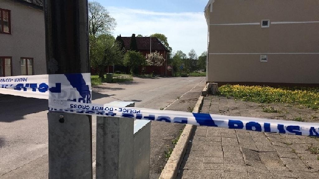 Polisavspärrning efter explosion i Skänninge.