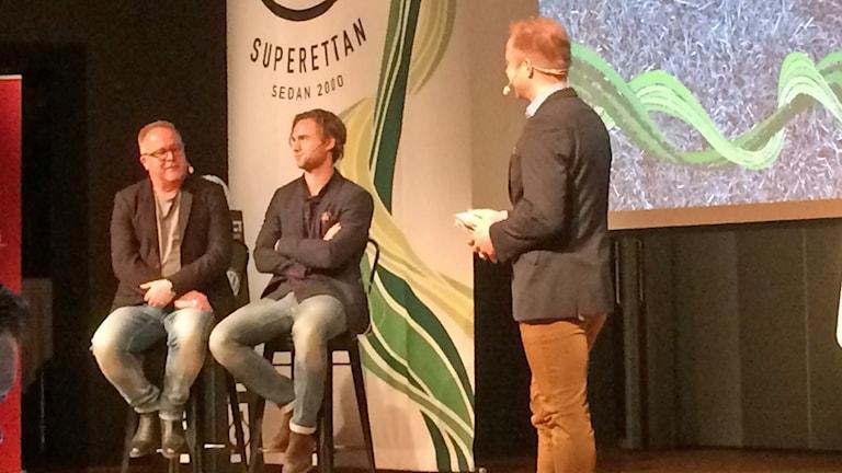 Roar Hansen och Simon Helg frågas ut på superettans upptaktsträff.