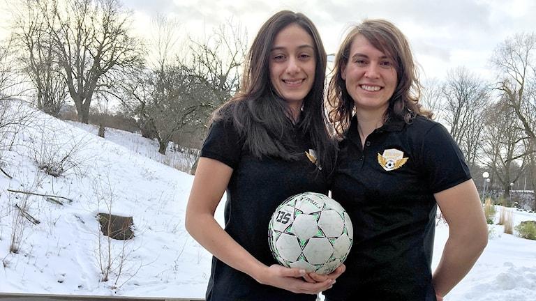 Ella Karlsson och Sahar Khalili .