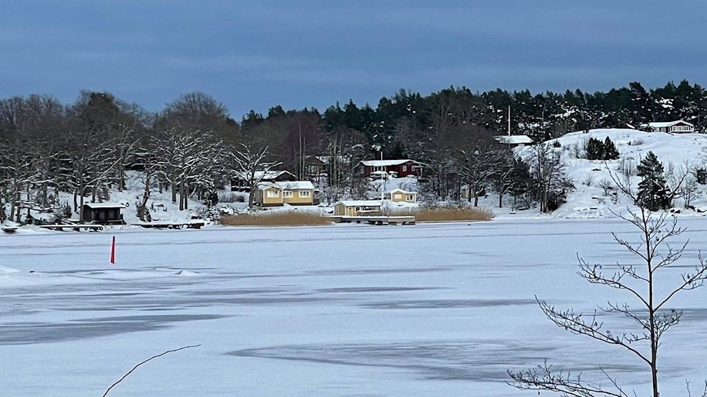 Gränsö vintertid med liggande is