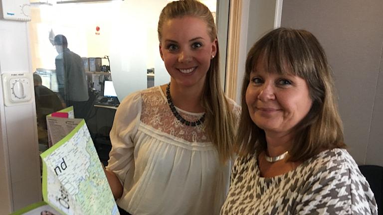 Caroline Palm, ansvarig för Östgötadagarna och Eva Andersson (S) regionfullmäktiges ordförande.