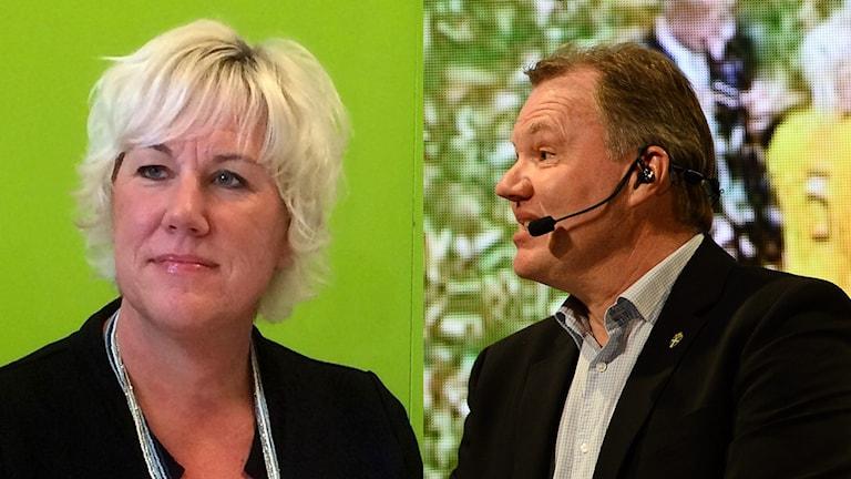 Kristina Edlund , kommunstyrelsens ordförande i Linköping och Karl-Erik Nilsson, ordförande Svenska Fotbollförbundet.