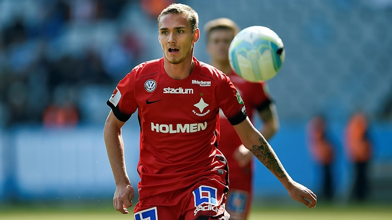 IFK Norrköpings Linus Wahlqvist i premiärmatchen mot Malmö FF.