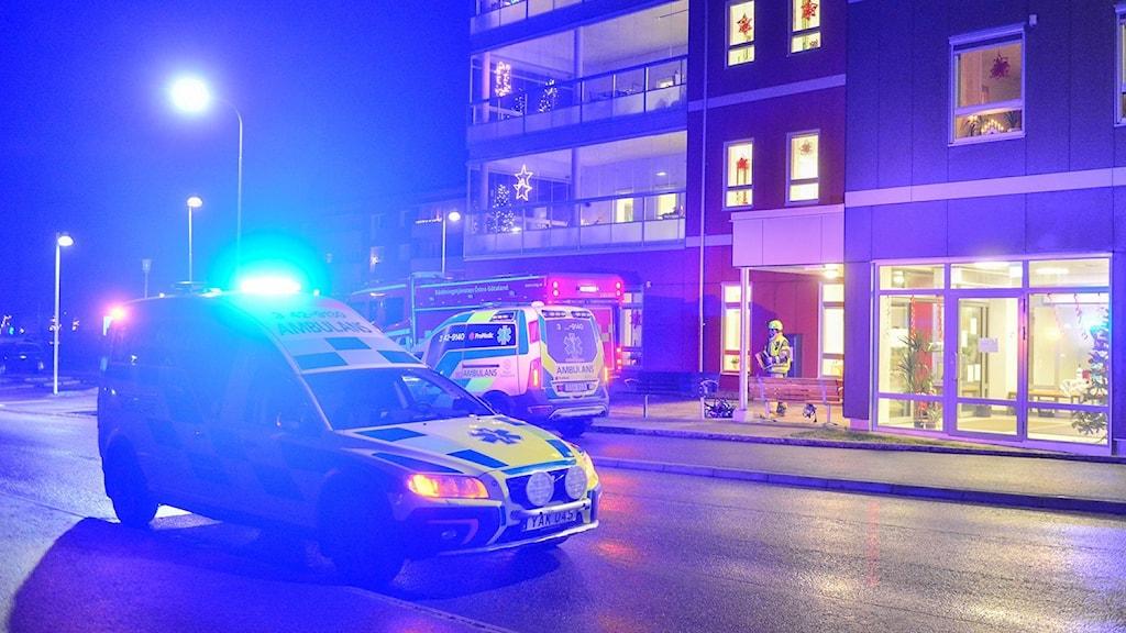 Man till sjukhus med allvarliga skador vårboende Åby, Norrköping.