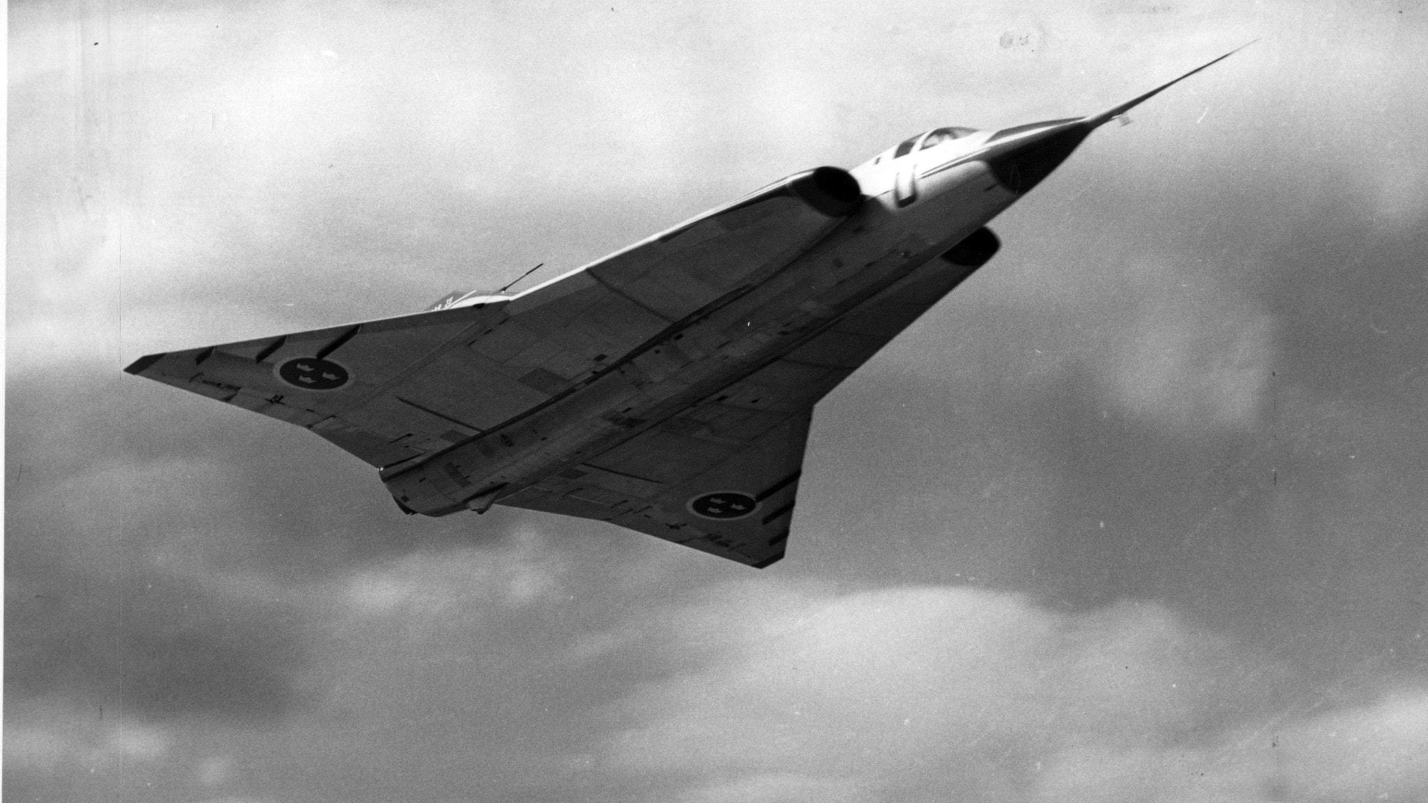 Vill du testa flyga en J 35 Draken? – snart är det möjligt