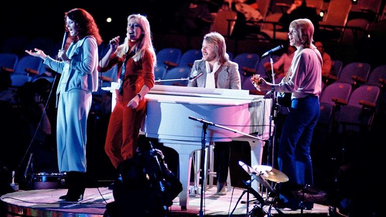 ABBA uppträder i FN i New York 1979.